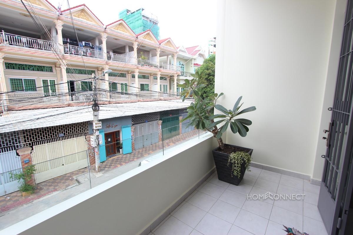 Western 4 Bedroom Townhouse Bedside Russian Market   Phnom Penh Real Estate