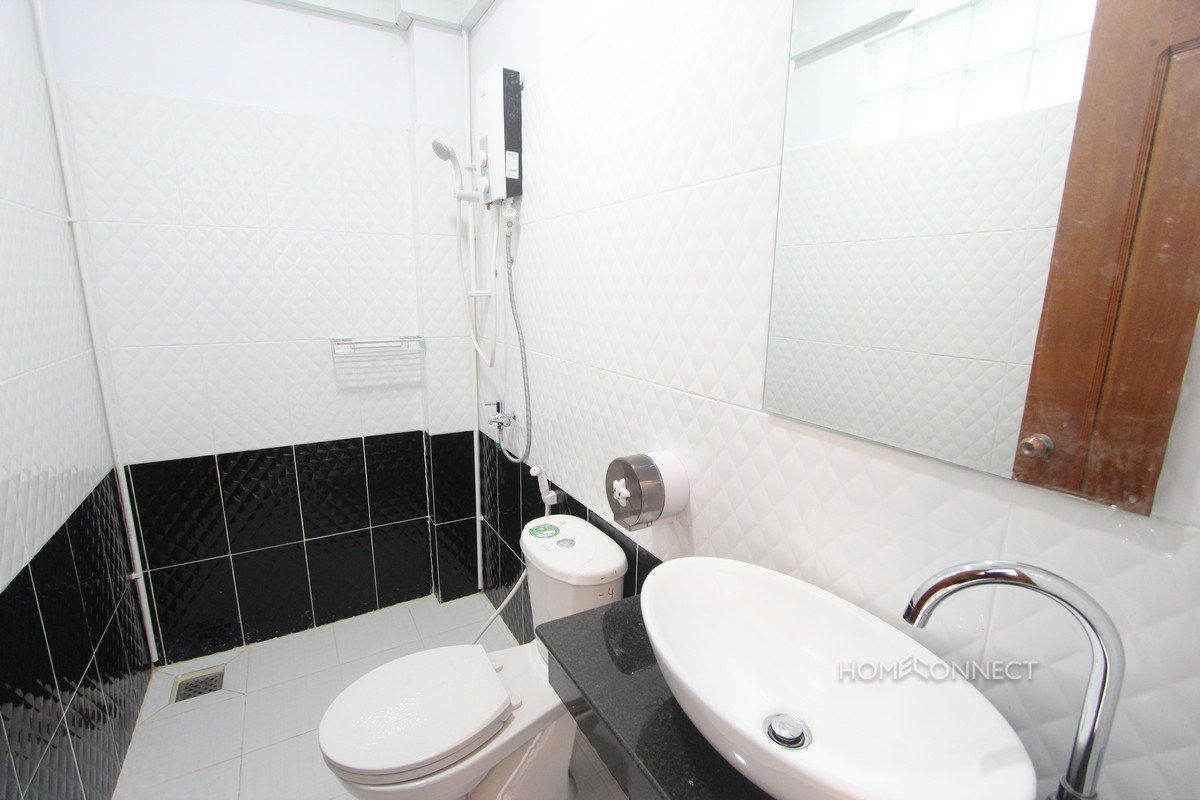 Comfortable 2 Bedroom Russian Market Apartment | Phnom Penh Real Estate