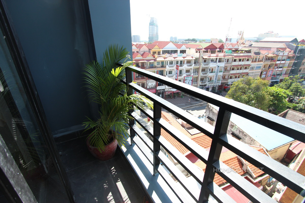 Newly Constructed 2 Bedroom Apartment in Tonle Bassac   Phnom Penh Real Estate