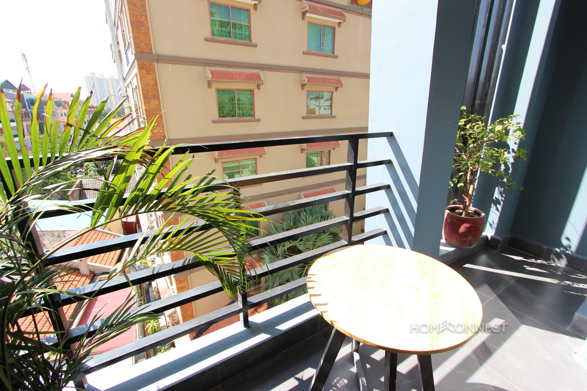 Modern 1 Bedroom Apartment is Central Phnom Penh Real Estate