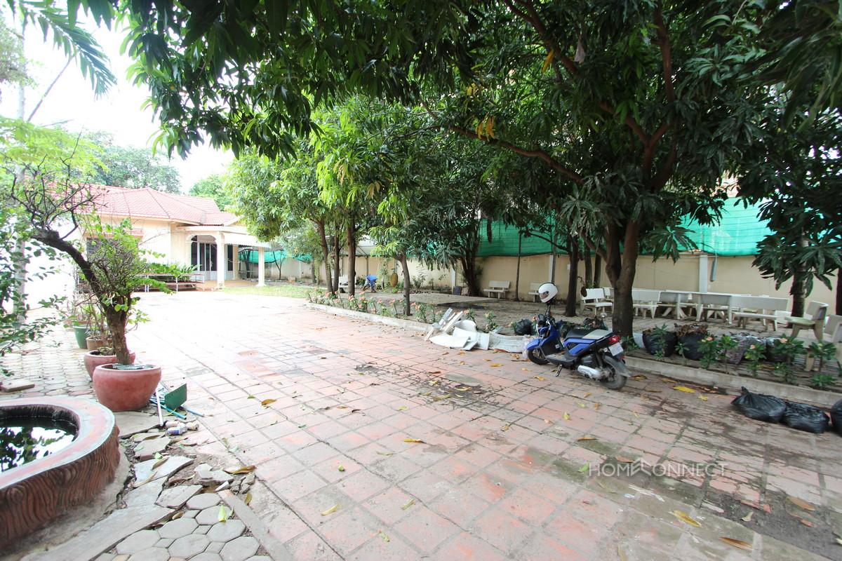 Large Garden Villa Near the Russian Market | Phnom Penh Real Estate