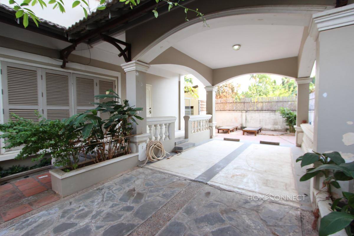 Comfortable 3 Bedroom Villa in Boeung Tumpun | Phnom Penh Real Estate