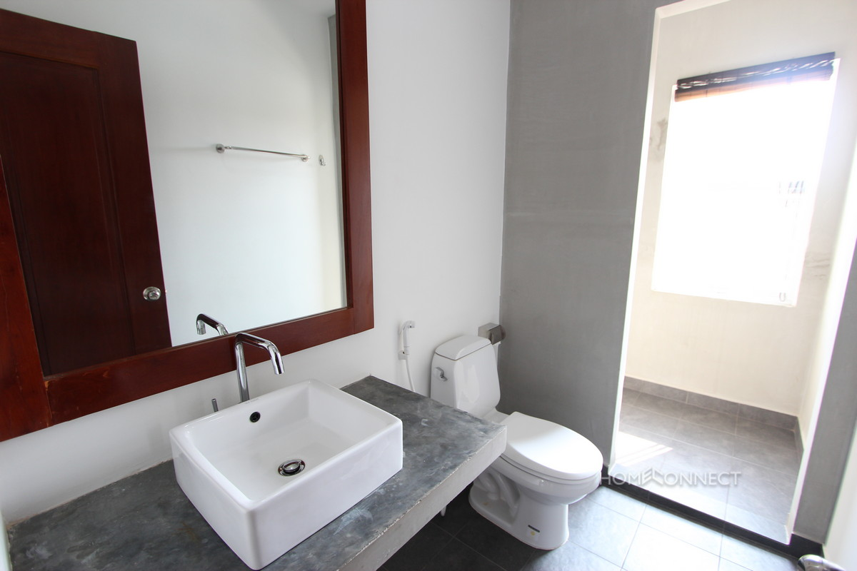 Pleasant 3 Bedroom Apartment in Tonle Bassac | Phnom Penh Real Estate