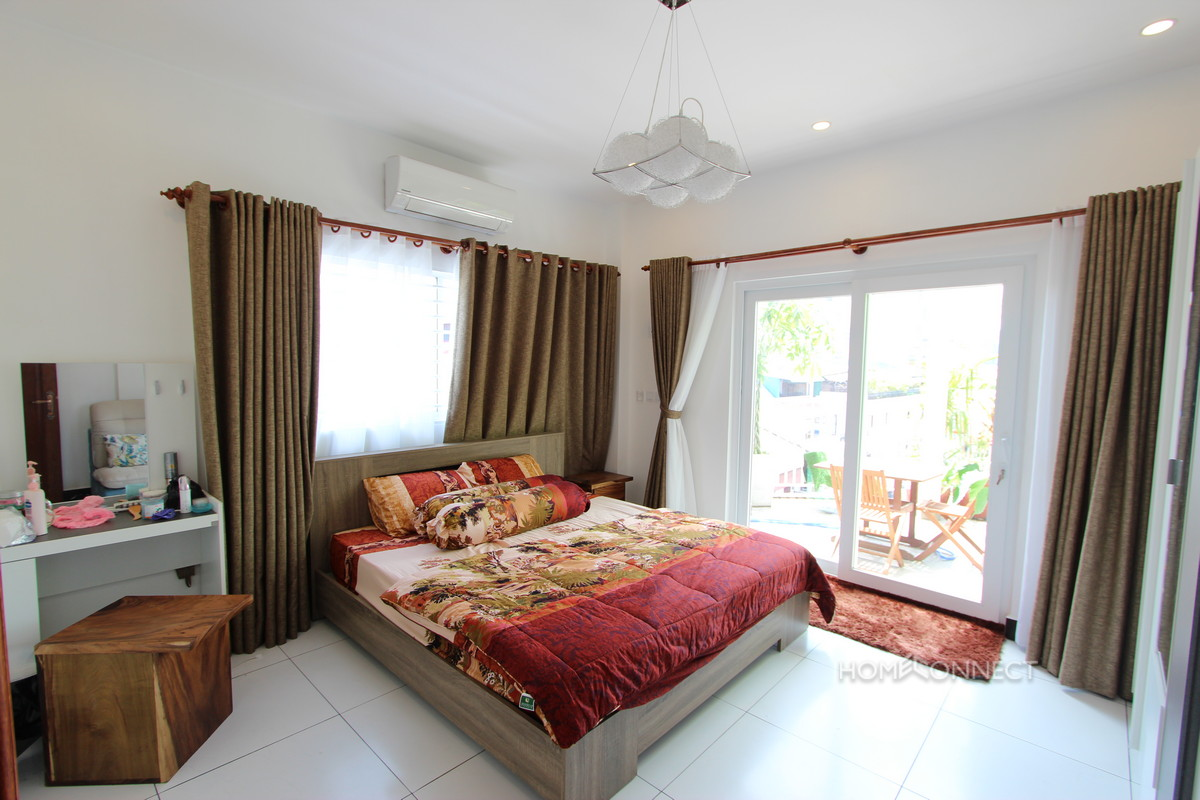 Colonial 2 Bedroom Apartment Near Riverside For Sale | Phnom Penh Real Estate