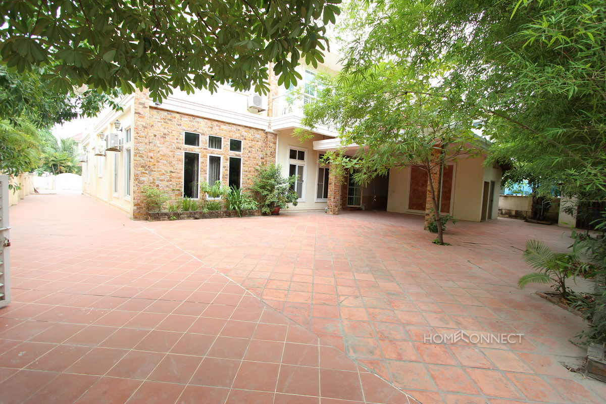 Secure Family Villa Located Near the Northbridge School | Phnom Penh Real Estate