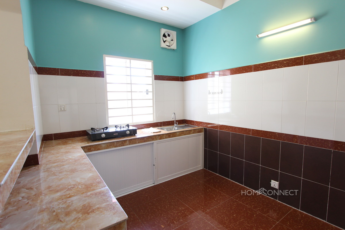 Spacious 1 Bedroom 1 Bathroom Apartment near Independence Monument   Phnom Penh Real Estate
