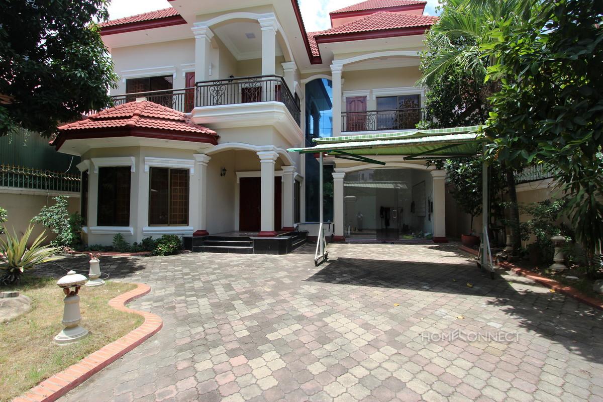 Spacious 5 Bedroom 6 Bathroom Villa Near Central Market | Phnom Penh Real Estate
