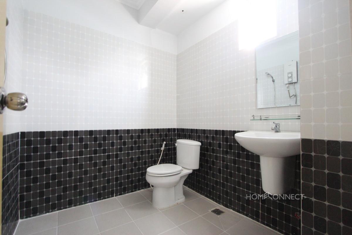 New Modern 1 Bedroom 1 Bathroom Apartment in BKK3 | Phnom Penh Real Estate