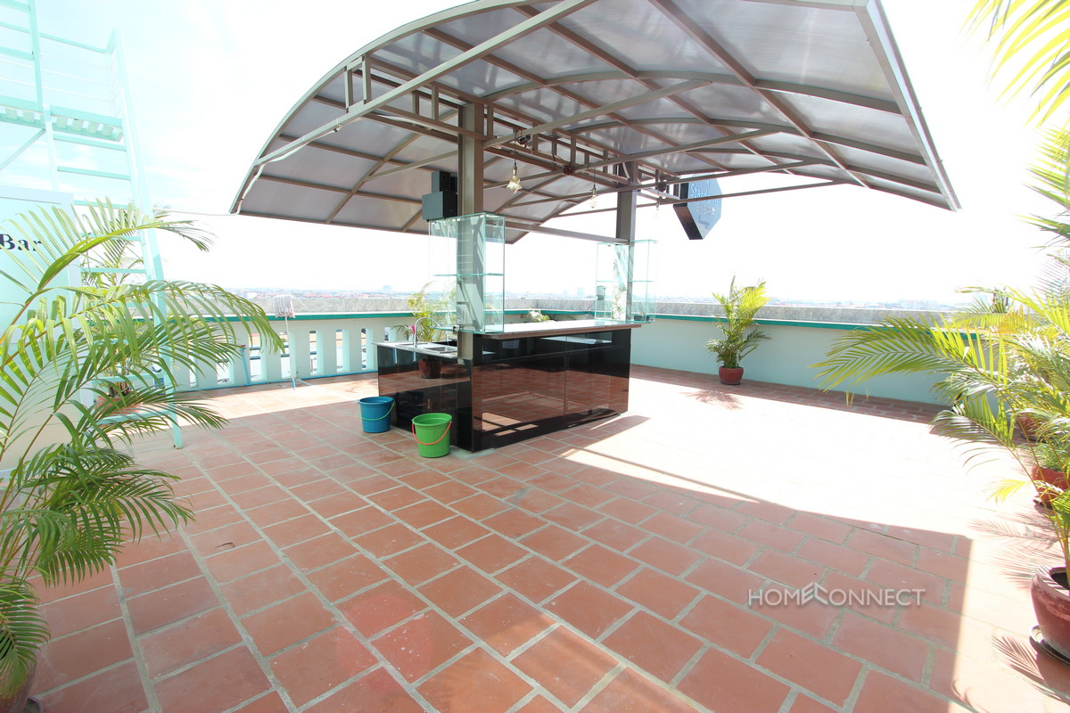 Luxurious Penthouse Suite with 2 Bedrooms and 2 Bathrooms in Toul Sangke | Phnom Penh Real Estate