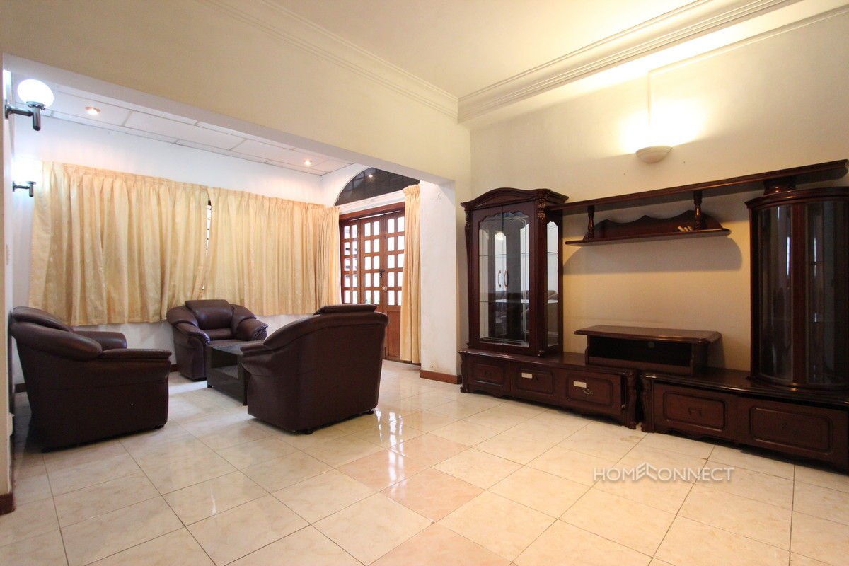 Spacious 3 Bedroom 3 Bathroom Apartment Near Royal Palace | Phnom Penh Real Estate