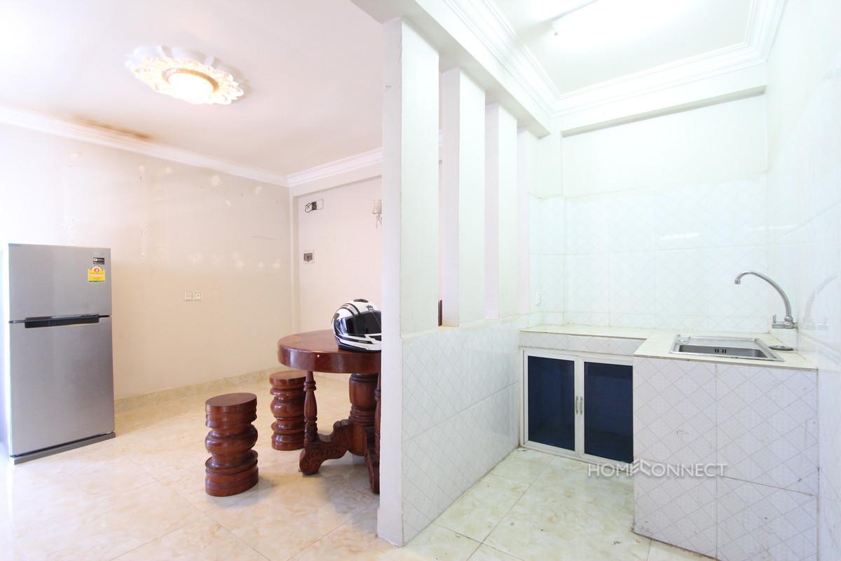 Cozy 1 Bedroom 1 Bathroom Apartment for Rent in Tonle Bassac | Phnom Penh Real Estate