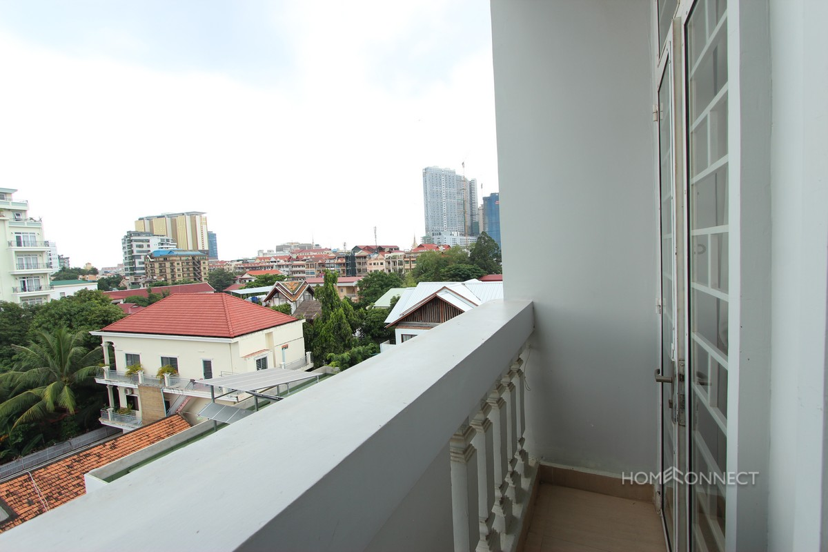 Comfortable 1 Bedroom 2 Bathroom Apartment for Rent in Tonle Bassac | Phnom Penh Real Estate