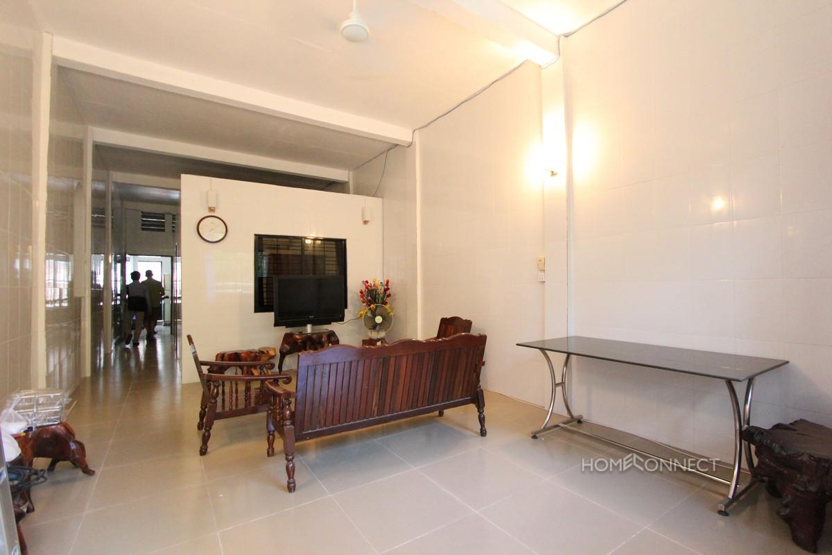 Comfortable 2 Bedroom 2 Bathroom Apartment for Rent in Daun Penh | Phnom Penh Real Estate