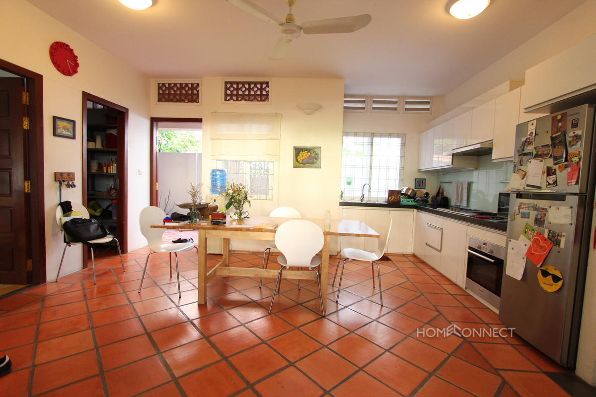 Beautiful Family 5 Bedroom Townhouse Close to Russian Market   Phnom Penh Real Estate