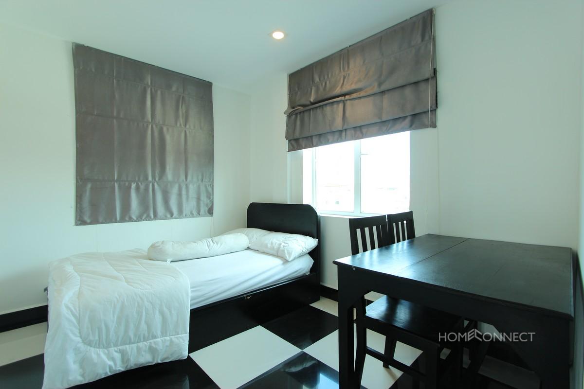 Comfortable 2 Bedroom 1 Bathroom Apartment For Rent Near Russian Market Phnom Penh