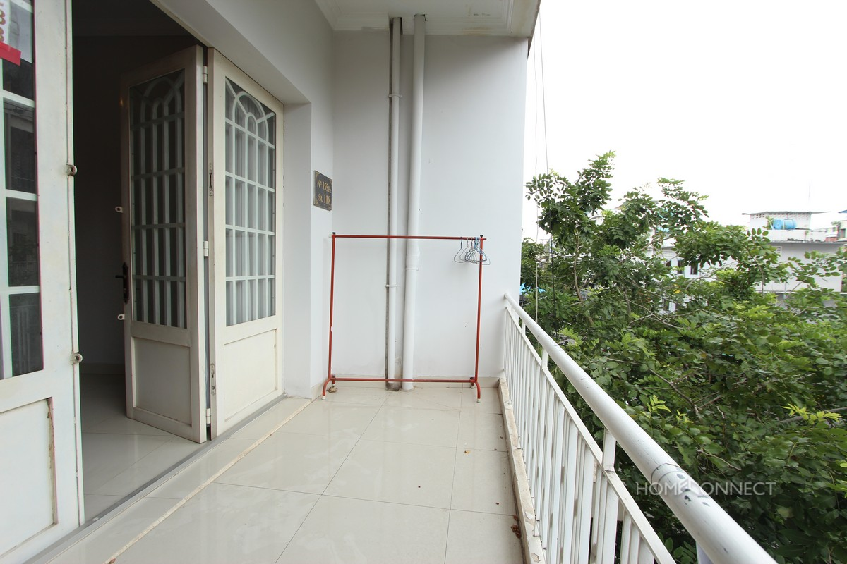 Budget 2 Bedroom 2 Bathroom Apartment For Rent Near Old Market | Phnom Penh Real Estate