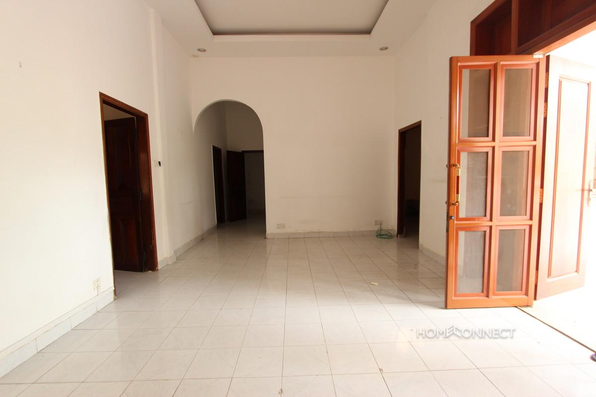 Swimming Pool 3 Bedroom Villa For Rent in BKK1   Phnom Penh Real Estate