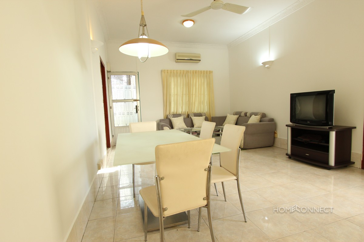 Spacious 1 Bedroom 1 Bathroom Apartment For Rent Near Central Market | Phnom Penh Real Estate.