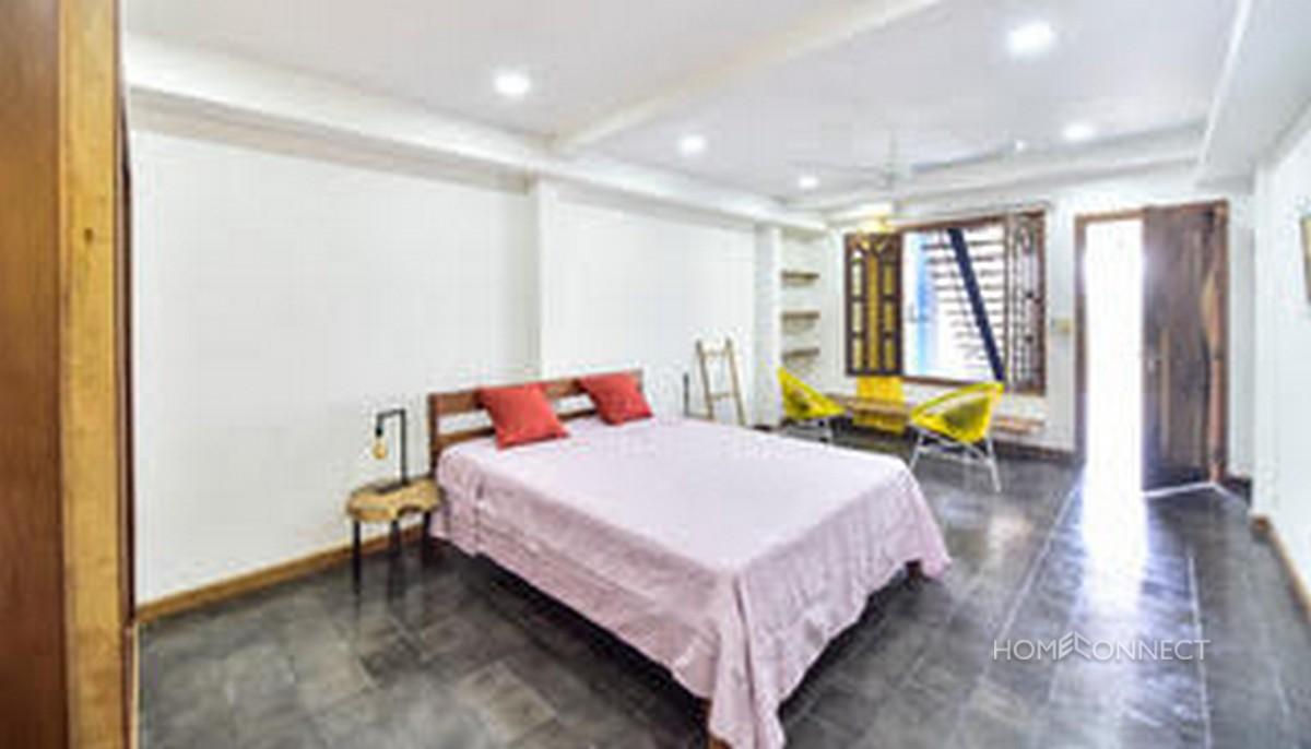 Large Terrace 2 Bedroom Apartment For Sale in Daun Penh | Phnom Penh Real Estate