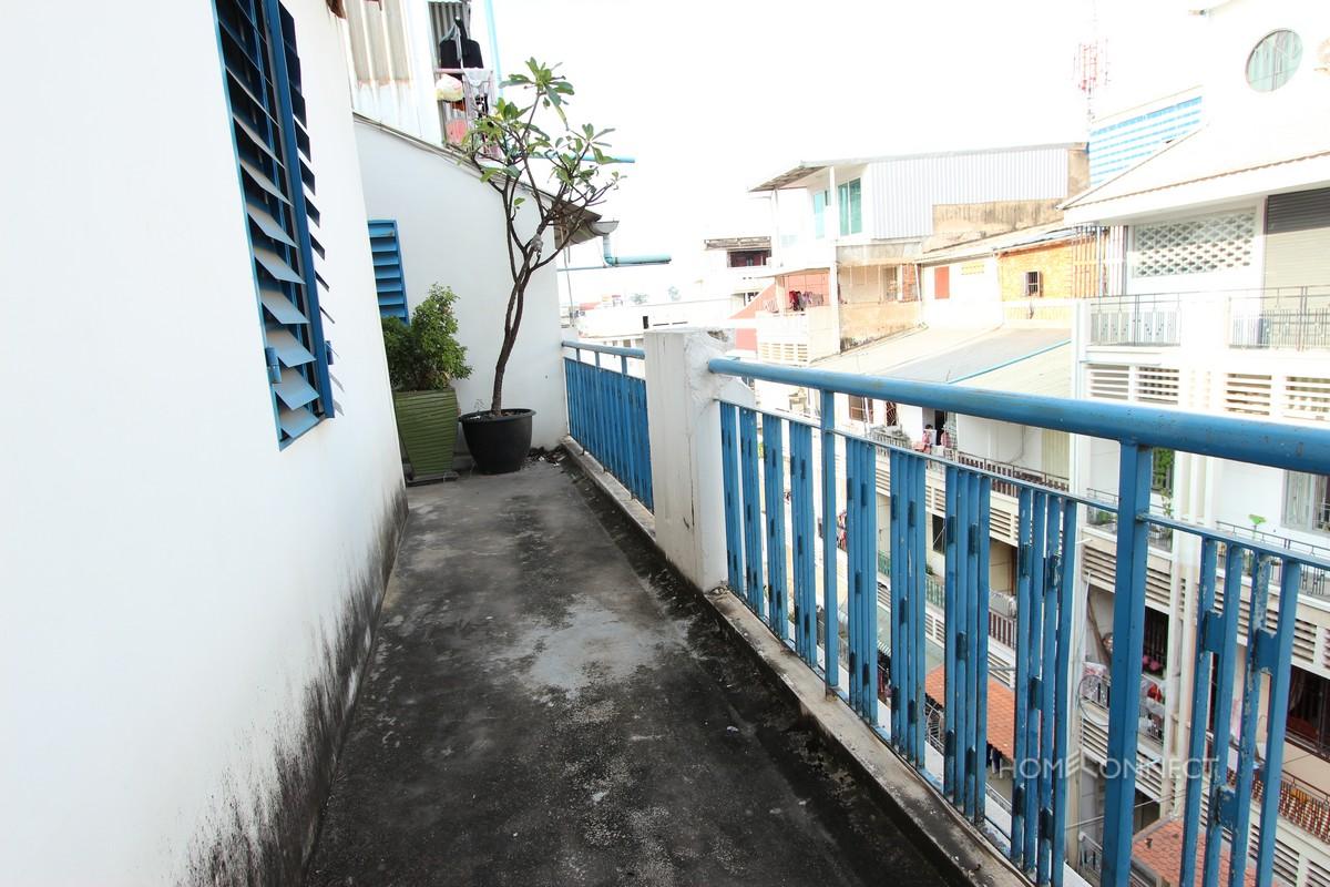 Large Rooftop 3 Bedroom Apartment For Sale Near Riverside | Phnom Penh Real Estate