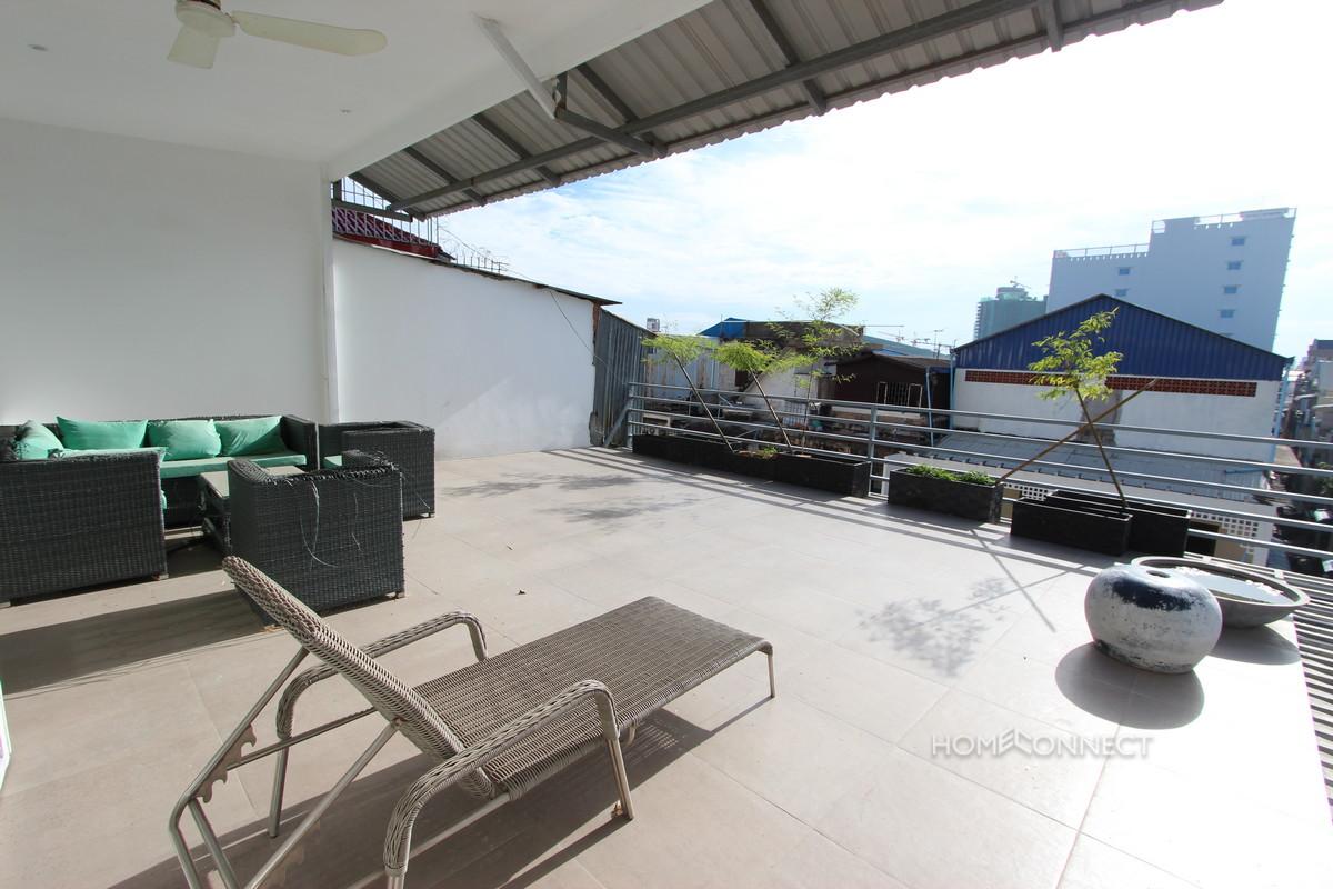 Huge Terrace 3 Bedroom Western Apartment in 7 Makara | Phnom Penh Real Estate