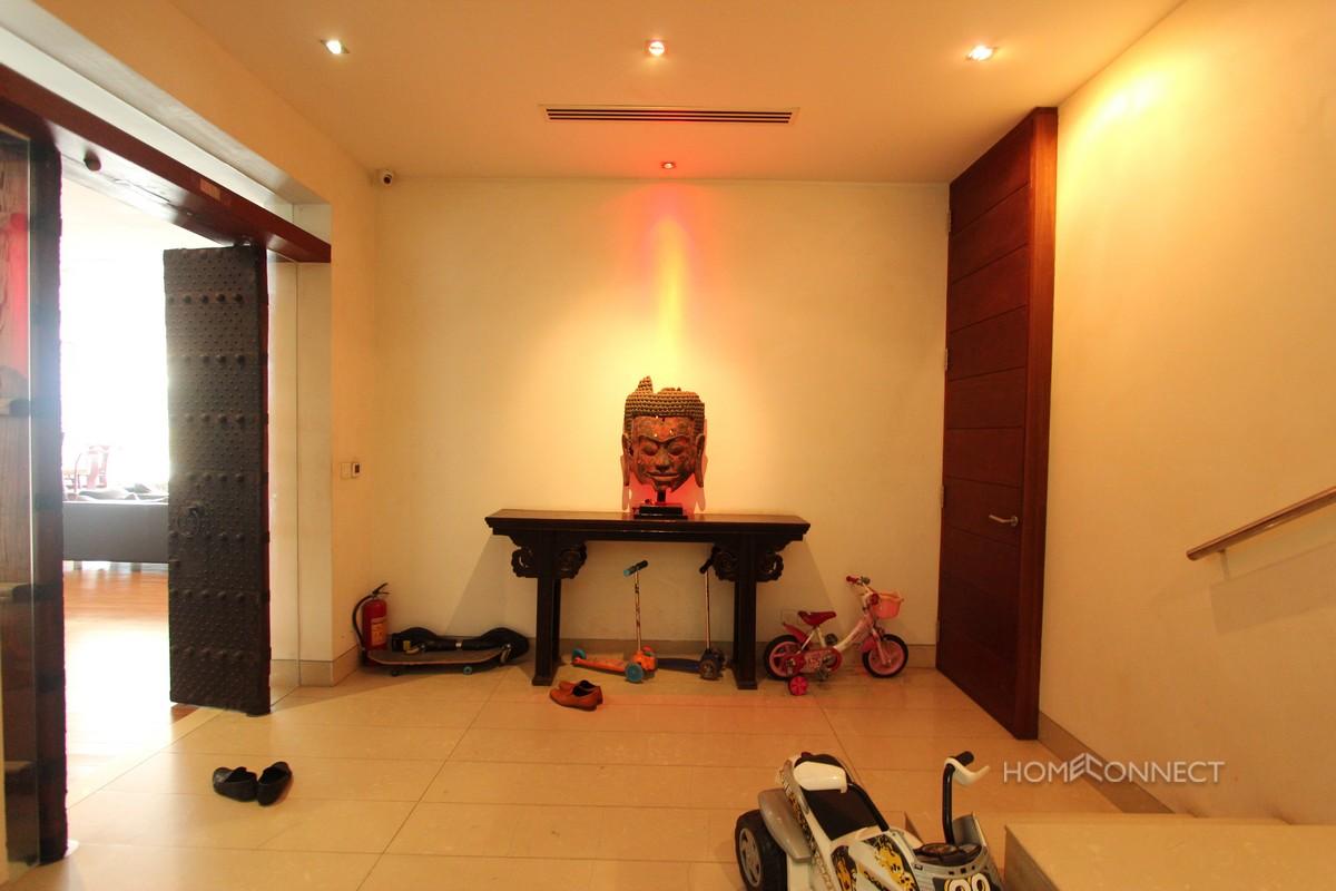 Beautiful 6 Bedroom Apartment on Riverside | Phnom Penh Real Estate