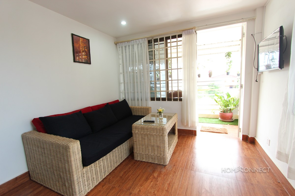 Private Balcony 1 Bedroom Near Royal Palace | Phnom Penh Real Estate