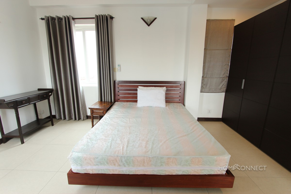 Bright Western Style 2 Bedroom Near Independence Monument | Phnom Penh Real Estate