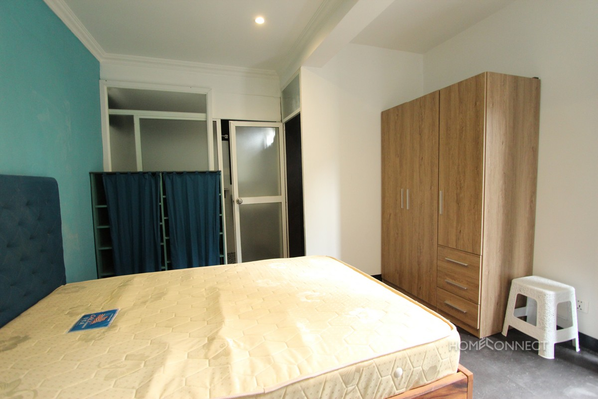 Western Style 2 Bedroom Walking Distance of Independence Monument | Phnom Penh Real Estate